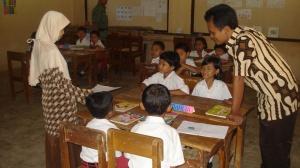 Pendampingan terhadap guru dalam kelas