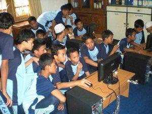 Belajar dengan 1 komputer
